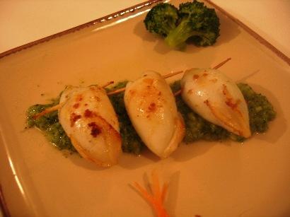 Calamari ripieni con purea di broccoli