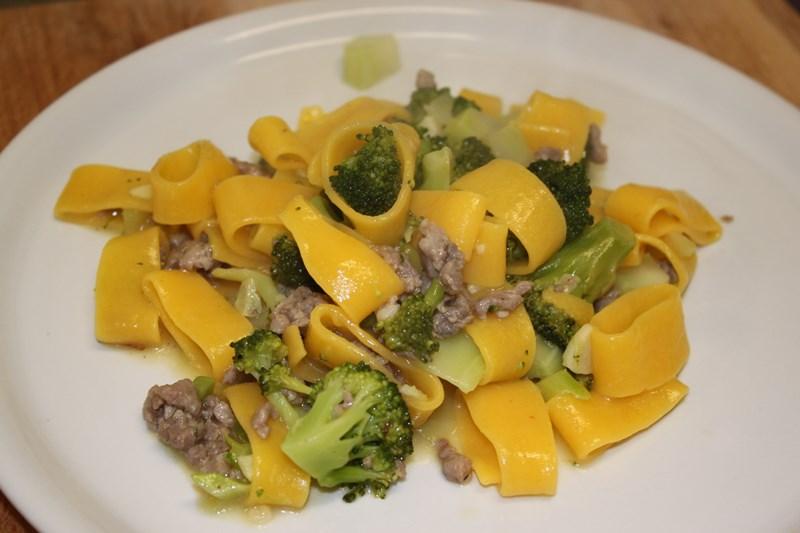 Calamarata con broccoli e salsiccia