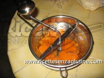 vellutata di zucca e salsiccia senza glutine